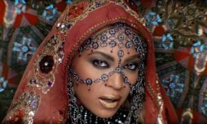 Beyoncé in Coldplay's Hymn for the Weekend.