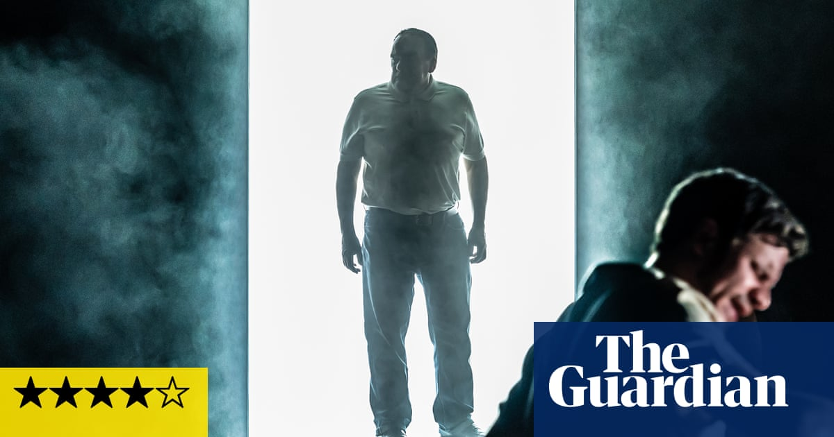 Cat on a Hot Tin Roof review – Big Daddy's birthday party still blazes