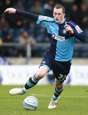 Scott Davies bermain untuk Wycombe pada tahun 2009.