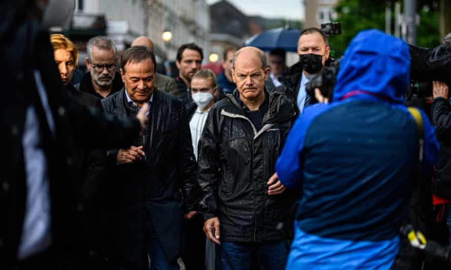 Election candidates Armin Laschet (CDU/CSU, left) and Olaf Scholz (SPD, right) in Stolberg, Germany, during the floods earlier this year.