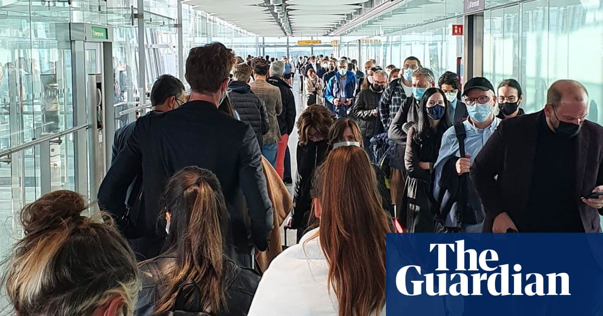 Heathrow passengers delayed for hours after biometric passport gates fail