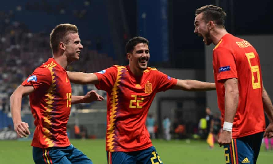 Dani Olmo (No 19) celebrates with Pablo Fornals and Fabián Ruiz after putting Spain 3-1 up against France.