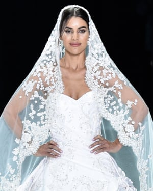Lifting the veil who will design meghan markles wedding dress ralph amp russo at paris fashion week spring summer 2018 junglespirit Image collections
