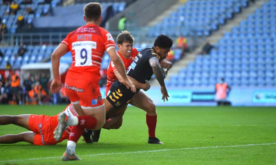 Malakai Fekitoa scores for Wasps during their thrashing of Leicester this month, but empty stadiums are hurting all clubs.