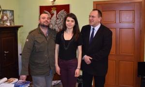 Piotr Borodacz (left), with his sister, Julia, and father, Artur.