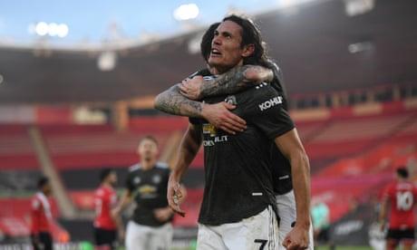 Edinson Cavani inspires Manchester United to comeback at Southampton