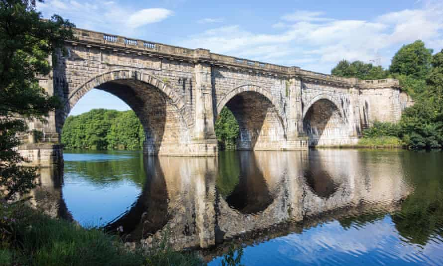 The Lune Aqueduct carrying the Lancaster Canal over the River Lune