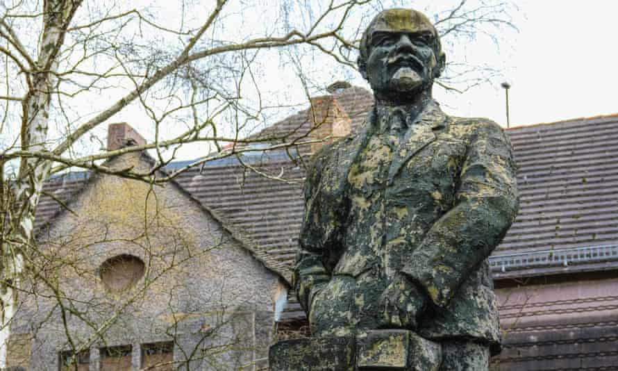 One of two Lenin statues to be found in Wünsdorf. The other stands in front of the Soviets' main headquarters building.