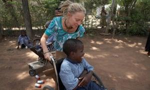 A European volunteer in Tanzania.