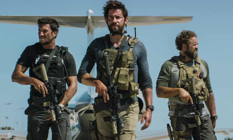 Pablo Schreiber as Kris 'Tanto' Paronto, John Krasinski as Jack Silva and David Denman as Dave 'Boon' Benton in 13 Hours.
