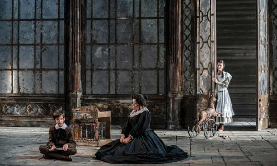 Garsington Opera's 2019 production of Britten's Turn of the Screw