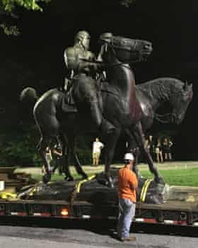 The monument to Lee and Jackson is removed in Baltimore.