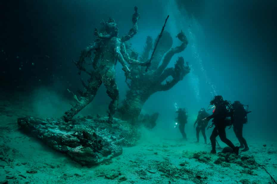 The 'perfect Discovery Channel pastiche' of Hydra and Kali Discovered by Four Divers.