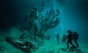 Hydra and Kali Discovered by Four Divers by Damien Hirst.