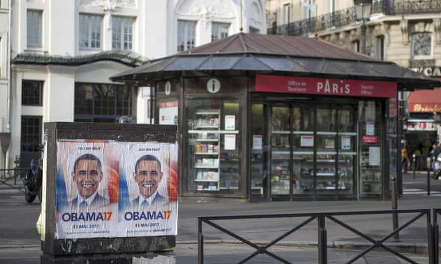 Obama 17 posters are displayed across Paris.