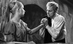 Soviet actors Anastasiya Vertinskaya and Innokenti Smoktunovsky in Hamlet.