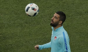 Arda Turan, the Turkey international, is keen to stay at Barcelona and fight for his place.