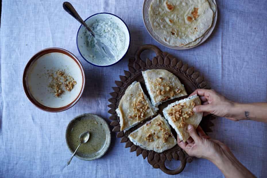 Fresh herbed cottage cheese (burutz berikutz) in chapatis