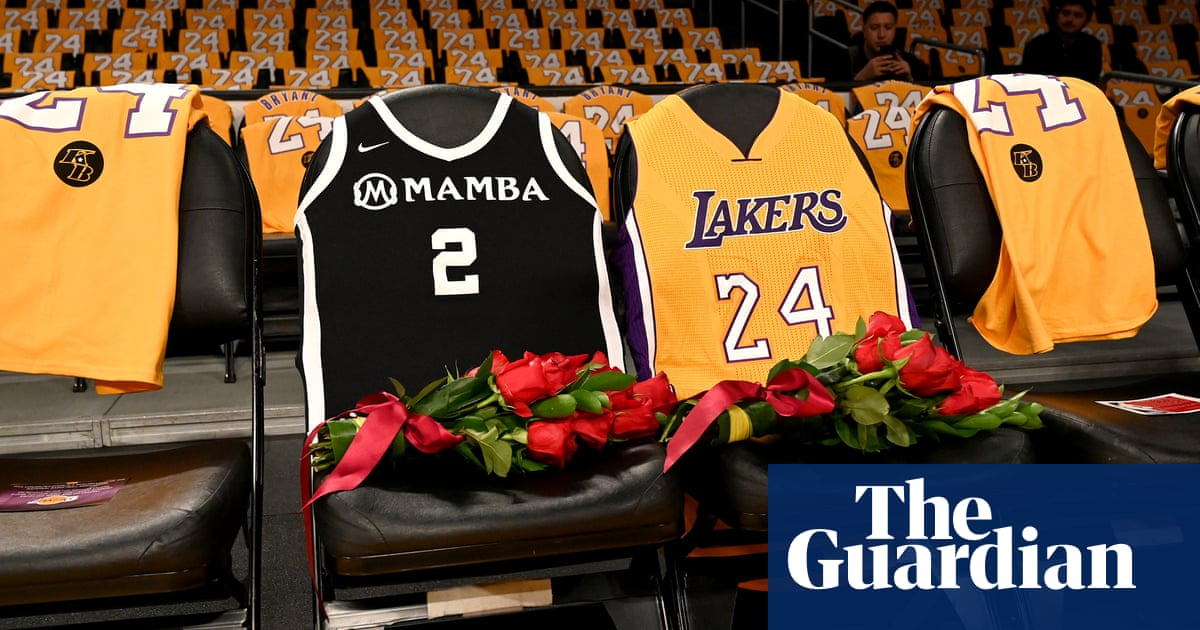 LA Lakers honor Kobe and Gianna in first game since helicopter tragedy
