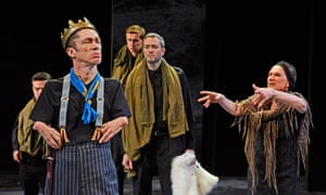 Uniquely compelling … Mat Fraser as Richard III with Christine Cox as the Duchess.