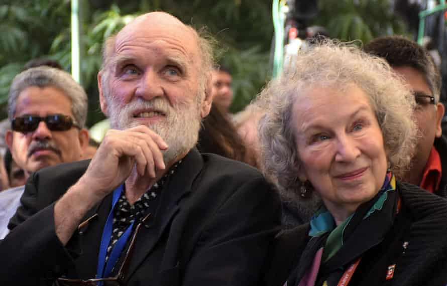 Margaret Atwood and her husband, Graeme Gibson, at the ZEE Jaipur Literature Festival in 2016.