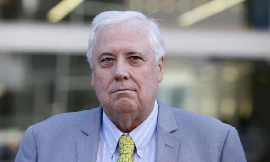 Clive Palmer has been forced to take down a YouTube video that used the song Tubthumping by UK band Chumbawamba.