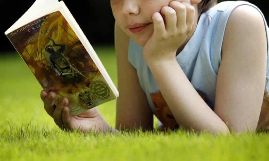 The number of books in a child's home can be used to predict their cognitive test scores.