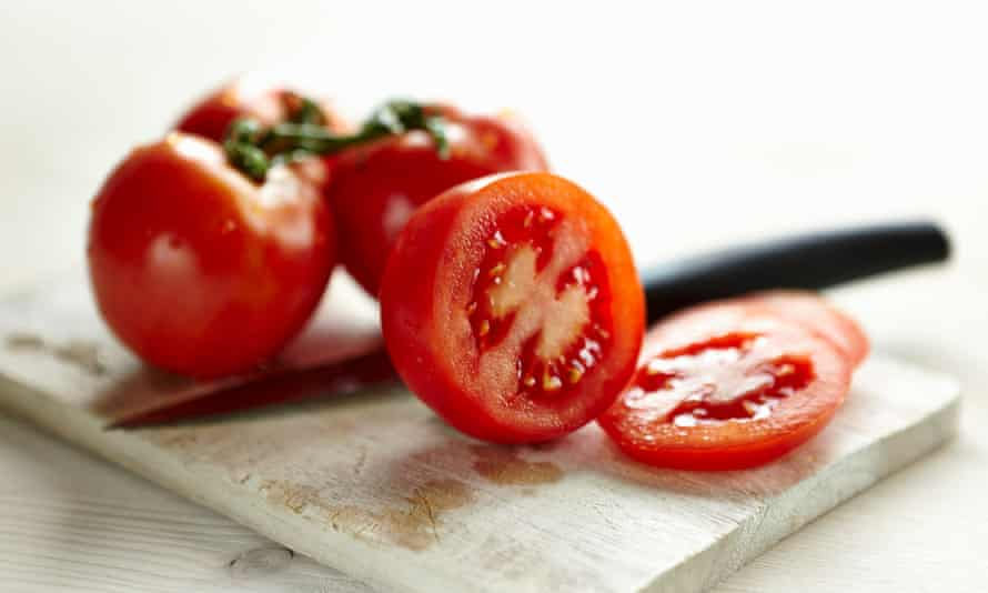 Sliced tomatoes … do you like scalding your mouth?