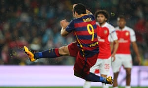 Luis Suárez brilliantly volleys in Barcelona's second goal against Arsenal