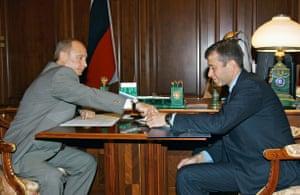 Vladimir Putin meets with Abramovich at the Kremlin in May 2005.