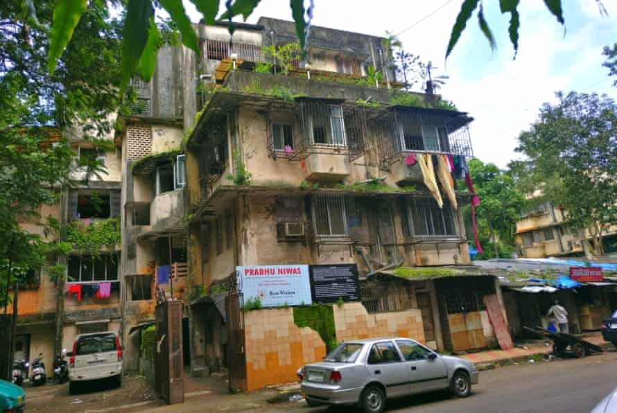 The Prabhu Niwas building is another which should be urgently demolished according to the BMC