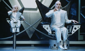 Troyer with Mike Myers as Dr Evil in Austin Powers: The Spy Who Shagged Me.