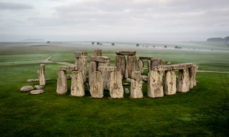 Bones found at Stonehenge belonged to people from Wales