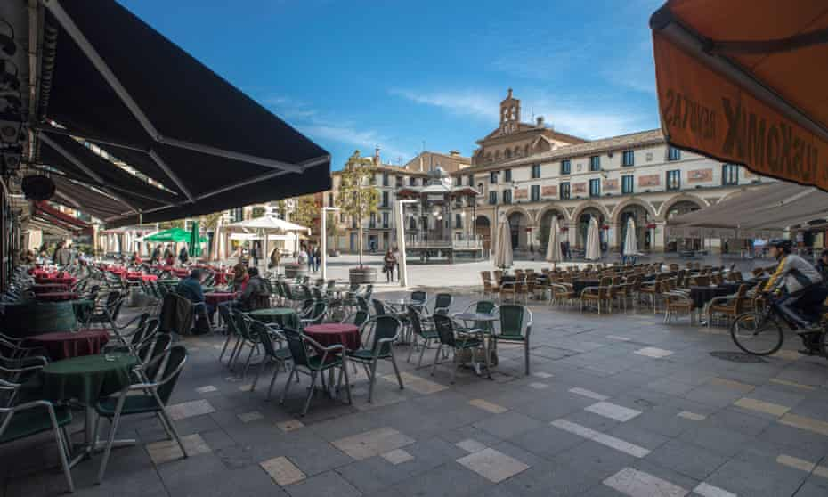 Bars and restaurants at Fueros Square, Tudela, Navarre, Spain