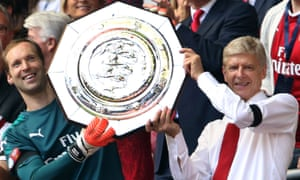 Petr Cech and Arsène Wenger with the 2017 Community Shield.