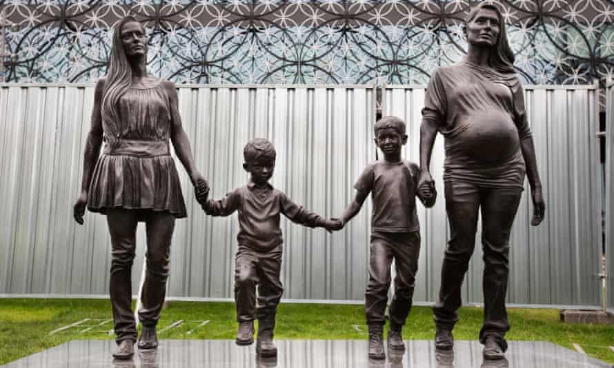 Gillian Wearing's A Real Birmingham Family.