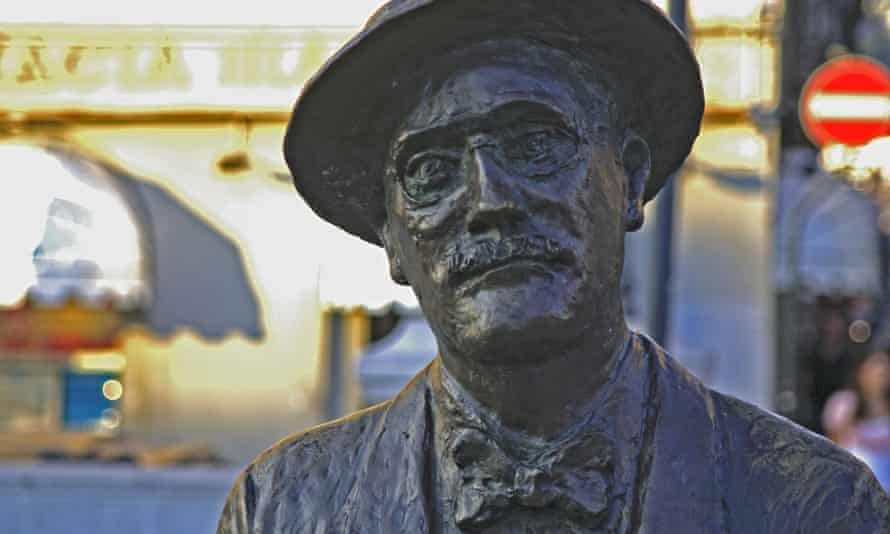James Joyce statue on Trieste's Grand Canal in Italy.