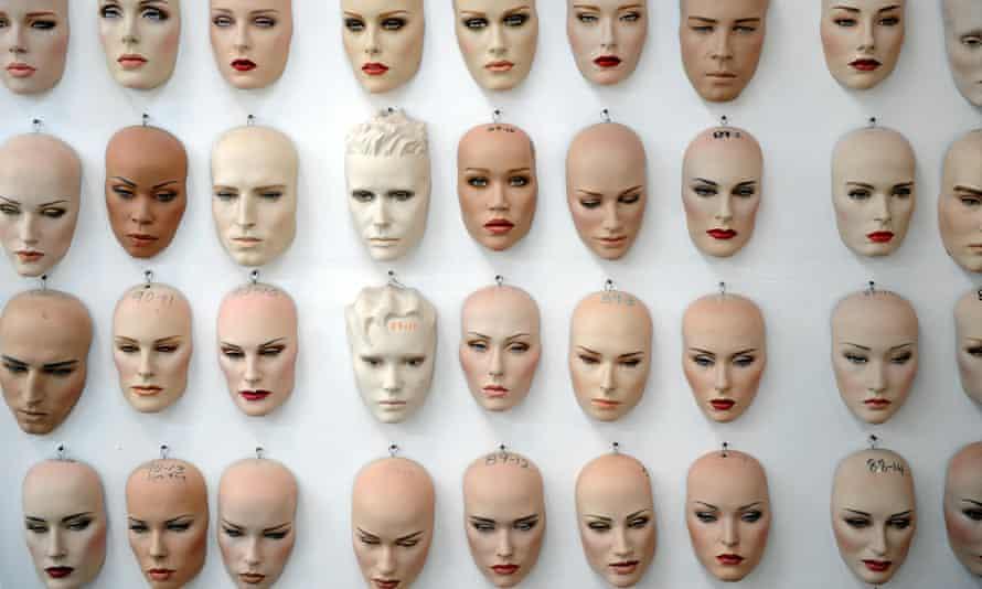Mannequins' faces
