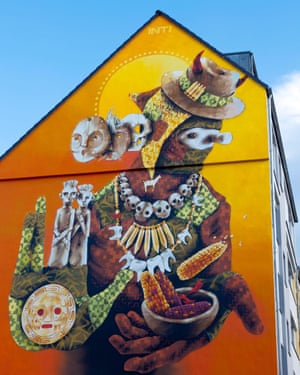 Of the wall: street art by Inti at a building in Ehrenfeld.