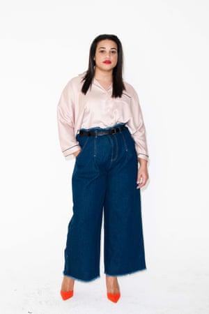 wide legged dark blue jeans, Asos, pale pink shirt River Island, Red high heels River Island
