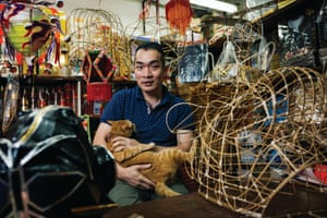 Au-yeung Ping-chi, who has been in the business of making paper effigies for over two decades.