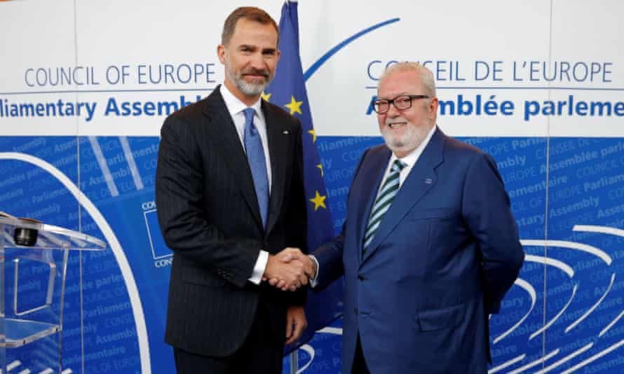 Spain's King Felipe with the then president of Pace, Pedro Agramunt, in Strasbourg, April 2017.
