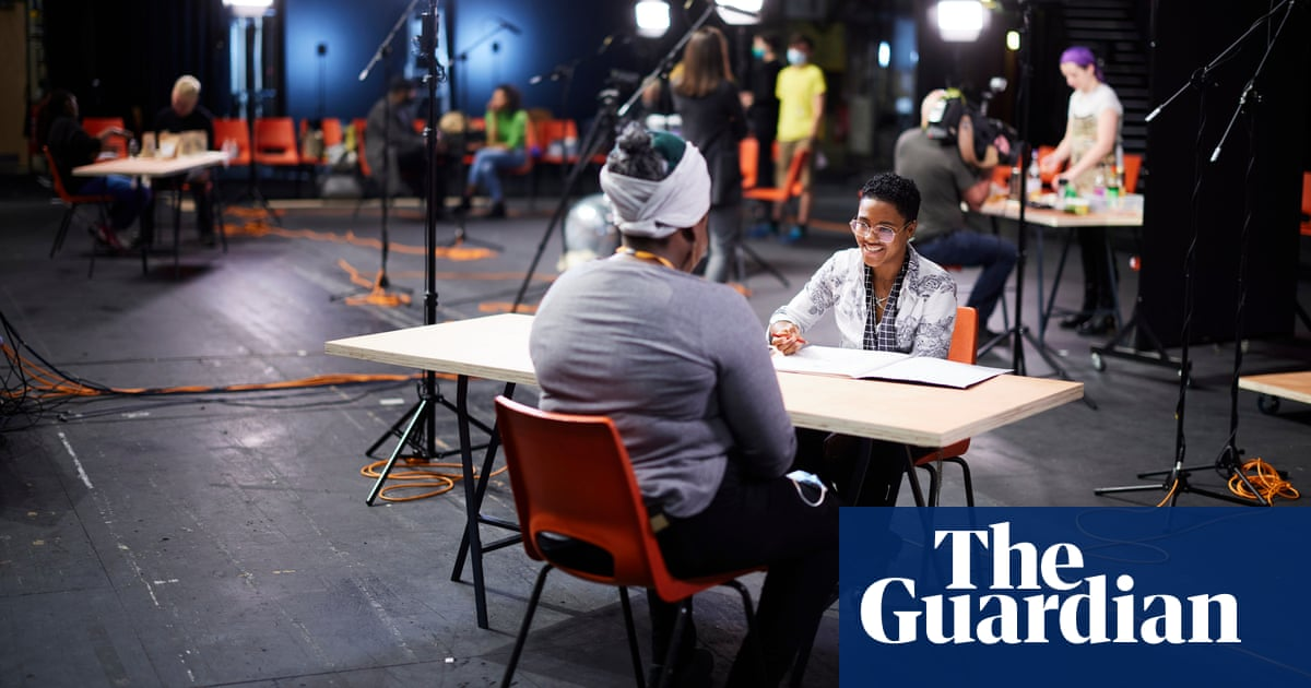 'A form of mass portraiture': 12-hour theatre event explores different jobs