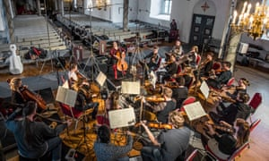 Alisa WeilersteinNorway, Selbu, 27-04-2018. Alisa Weilerstein recording Haydn: Cello Concerti and Schoenberg: Verklärte Nacht (Transfigured Night) with the Trondheim Soloists in the church of Selbu in Norway. Photo: Andreas Terlaak