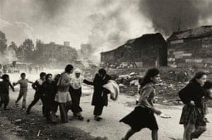 Palestinians fleeing massacre by Christian gunmen, Karantina, Beirut, Lebanon, 18 January 1976