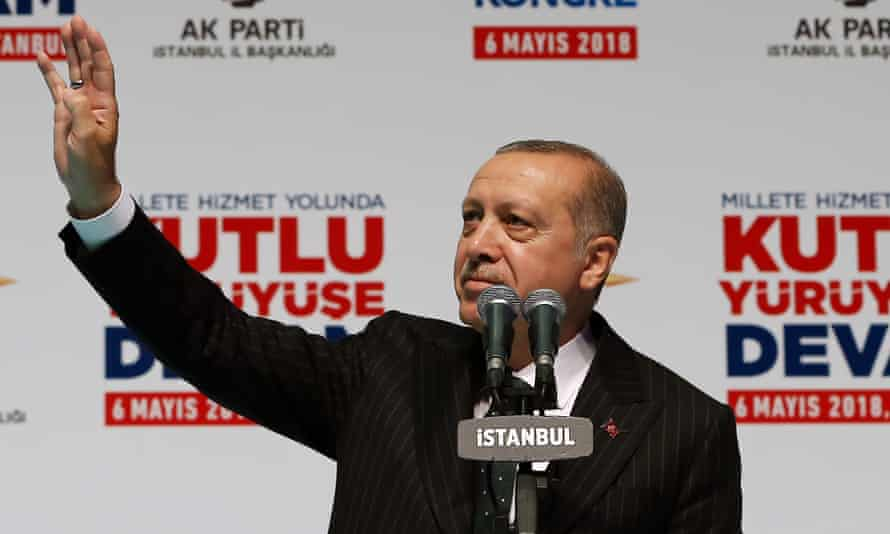 Recep Tayyip Erdoğan speaks to thousands of supporters in Istanbul