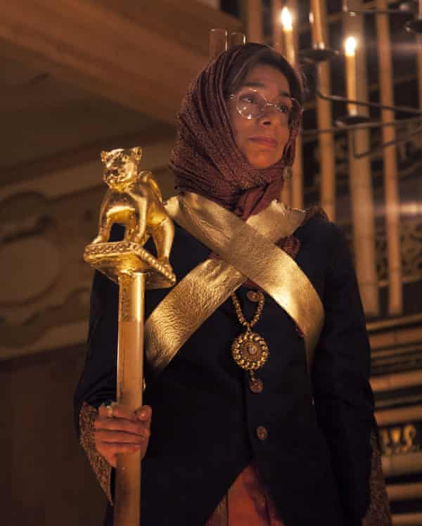 Shobna Gulati as the Duke of York.