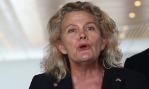 The president of the National Farmers' Federation, Fiona Simson, says the Neg is 'the best game in town' and warns Tony Abbott not to scuttle it.