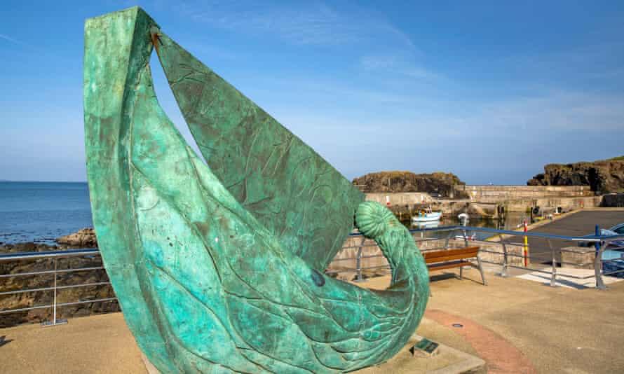 Fishing Boat sculpture by Niall O'Neill, Portstewart.