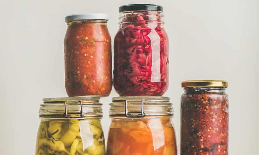 Preserved, pickled or fermented vegetables in jars